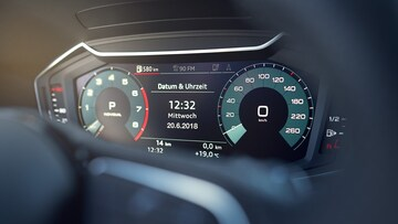 The available Audi virtual cockpit delivers an enhanced digital experience. The range of on-demand display functions include navigation maps and driver assistance systems in the driver's field of vision.